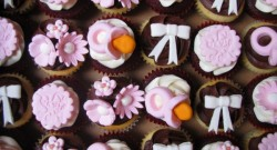 Baby_Shower_Cupcakes_(3542700192)