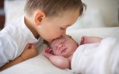 Come preparare il bambino all'arrivo del fratellino